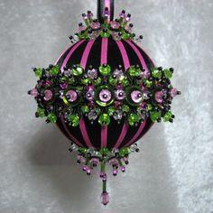 Beaded Christmas Ornament Kit Midnight Cabaret от Glimmertree