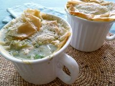 Chicken_Pot_Pie_with_Phyllo_Crust-- Gonna try making these tomorrow. Individual Chicken Pot Pies, Healthy Chicken Pot Pie, Chicken Meals, Easy Healthy Recipes, Healthy Dinners, Yummy Recipes, Healthy Food, Healthy Eating, Phyllo Recipes