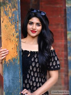 Megha Akash (born 26 October is an Indian film actress whos appeared in Tamil and Telugu films. Indian Film Actress, South Indian Actress, Indian Actresses, Beautiful Girl Indian, Beautiful Girl Image, Beautiful Women, Stylish Girls Photos, Girl Photos, Megha Akash