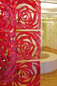 Scopri Paravento/divisorio Romance -Set di 4 - ganci inclusi, Rosso trasparente di Koziol, Made In Design Italia