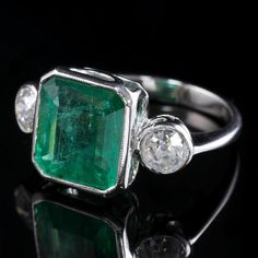 Art Deco Emerald Diamond Platinum Ring 8ct Emerald 1.20ct Diamond