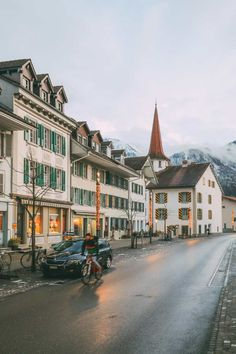 A Journey To Jungfraujoch And The Beautiful Town Of Interlaken, Switzerland Places In Switzerland, Switzerland Vacation, Visit Switzerland, Jungfraujoch, European Travel, Travel Europe, Adventure Is Out There, Summer Travel, Travel Guides