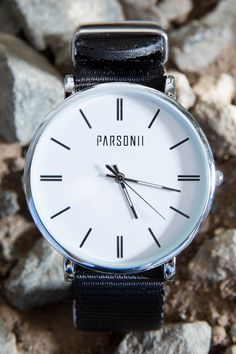 This silver Parsonii watch is so elegant yet so trendy! Stylish Watches, Luxury Watches For Men, Cool Watches, Girls Accessories, Jewelry Accessories, Fashion Accessories, Fashion Jewelry, High End Watches, Latest Watches