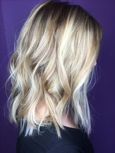 Shoulder length dynamic blonde hair with two tone low lights #haircolor #sandyblonde