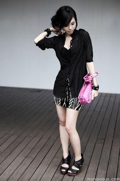 Blouse: H&M; Skirt: Topshop; Bag: Balenciaga; Shoes: Aldo; Accessories: Fürrmuse, Alexander McQueen