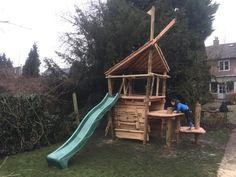 Wat zijn we aan het doen? Waar zijn we bezig en hoe zien de laatst gerealiseerde projecten er uit... Als het maar van hout wordt en buiten staat... of hangt!