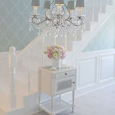Perfect French Shabby Chic Interior Design – Shabby Chic Home Interiors Shabby Chic Flur, Shabby Chic Hallway, Shabby Chic Mode, Shabby Chic Interiors, Shabby Chic Cottage, Vintage Shabby Chic, Shabby Chic Style, Shabby Chic Furniture, Shabby Chic Decor