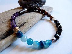 ᘛ ☽ Bracelet homme, ethnique en agate bleue striée,labradorite noire, améthyste et oeil de tigre ᘚ : Bijoux pour hommes par comme-un-homme