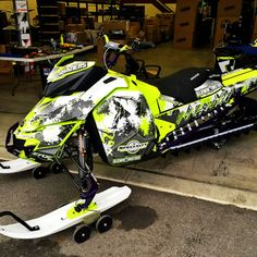 Image gallery for our Skidoo XM XS model sled wraps.