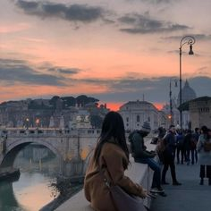City Aesthetic, Travel Aesthetic, Aesthetic Girl, Places To Travel, Places To Go, Applis Photo, Foto Pose, Adventure Is Out There, Aesthetic Pictures