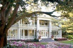 Houston Wedding Venue: Historic mansion with Southern charm #gardenweddingvenues #houston