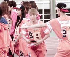 Guys I think I just found my favorite gif of baekhyun