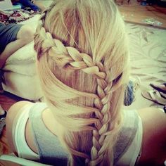 Image discovered by Find images and videos about hair, blonde and nice on We Heart It - the app to get lost in what you love. My Hairstyle, Bride Hairstyles, Pretty Hairstyles, Straight Hairstyles, Amazing Hairstyles, Hairstyles Haircuts, Ombré Hair, Hair Dos, Her Hair