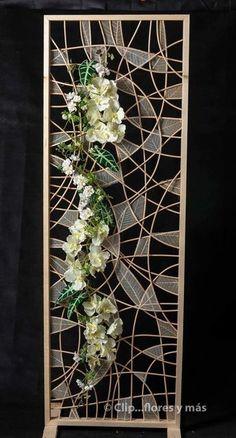 me ~ skeleton leaves! Deco Floral, Arte Floral, Floral Design, Creative Flower Arrangements, Orchid Arrangements, Flower Frame, Flower Wall, Ikebana, Flower Decorations