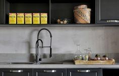"""78 curtidas, 5 comentários - Cosentino Brasil (@cosentino_brasil) no Instagram: """"Inspirado no aspecto natural do concreto, o tom cinza de Dekton Keon é perfeito para compor…"""""""