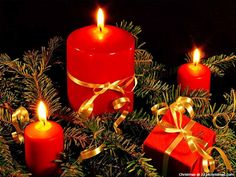 Decorated Christmas Candles Wallpaper
