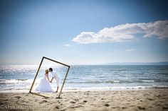 Four Tips For A Beautiful Beach Wedding. The soft sand, the bright sparkling water, and the sunset in the distance definitely make beaches one of the most romantic settings for a wedding. Beach Wedding Photos, Hawaii Wedding, Wedding Photoshoot, Beach Photos, Wedding Pictures, Cool Photos, Wedding Shoot, Best Photographers, Wedding Photography