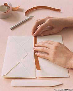 Book Crafts, Paper Crafts, Envelope Book, Homemade Books, Handmade Journals, Handmade Notebook, Handmade Bags, Handmade Bracelets, Bookbinding Tutorial