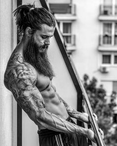 Image may contain: 1 person Beard Styles For Men, Hair And Beard Styles, Long Hair Styles, Hot Guys Tattoos, Sexy Tattoos, Bart Tattoo, Bodybuilder, Viking Hair, Inked Men