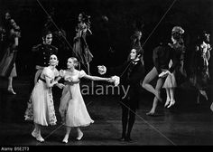 Marcia Haydee as Tatiana, Joyce Cuoco as Olga and Heinz Clauss (Onegin) in the Stuttgart Ballet production of John Cranko═s ball Stock Photo