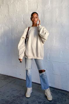 "Fashion People Convinced Me I Need This ""Boring"" But Comfy Item Cute Casual Outfits, Pretty Outfits, Fall Outfits, Fashion Outfits, Perfect Fall Outfit, Baggy, Fall Lookbook, Daily Fashion, Fashion Basics"