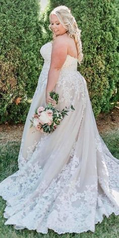 We think that every bride should feel charming and confident on her big day! Here are a handful of pretty lace plus size wedding dresses you'll love to try! Plus Wedding Dresses, Country Wedding Dresses, Princess Wedding Dresses, Plus Size Wedding, Bridal Gowns, Wedding Gowns, Lace Wedding, Classy Evening Gowns, Plus Sise