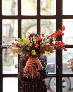 """""""Çiçekler ne denli çeşitliyse, bu çiçeklerden yapılan demet de; o denli güzel olmaz mı?"""""""