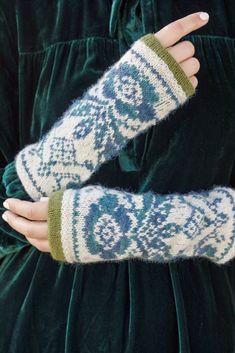 Knit Mittens, Knitted Gloves, Fingerless Gloves, Wrist Warmers, Hand Warmers, Fair Isle Knitting Patterns, Knitting Accessories, Garter Stitch, Knit Crochet