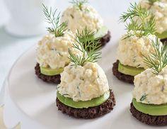 avocado egg salad canapes