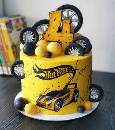 Bolo Hot Wheels, Hot Wheels Cake, Hot Wheels Party, Cake Designs For Boy, 4th Birthday Cakes, Hotwheels Birthday Cake, Wheel Cake, Hot Wheels Birthday, Beautiful Birthday Cakes