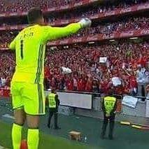 ⚠️ ÚLTIMA : 😔  - Ederson Moraes despede-se na final da Taça de Portugal. - Ederson, está muito perto de mudar-se para o Manchester City de Guardiola.   Ederson Moraes, obrigado por tudo 💛 es o melhor campeão ❤ vais deixar muitas saudades 😢 continuamos sempre juntos e te apoiamos seja onde for 💛❤ @ederson93 @ederson93   @laaimoraes @laaimoraes