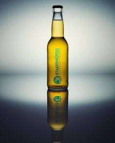 Ein #packshot des neuen #Luzerner #bier #stadtpfütze kann in der #Bettstatt #bar getrunken und gekauft werden.