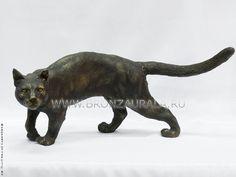 Бронзовая фигура кошки. 19 х 43 х 18 см. Производство Китай.