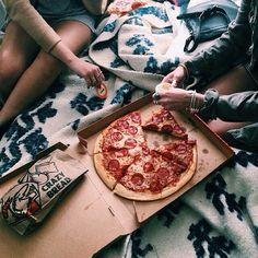 My kind of sunday #pizzaisbae #pizzaislife #food