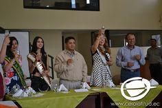 Doce reinas de las parroquias rurales de Quito, agradecieron a Diego Benítez, presidente de la Fundación Vita para Todos, por