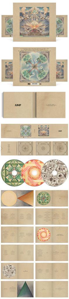 0005 Trouver une texture et ajouter des mandalas et quelques photos | Junip deluxe CD packaging design (Moondog Entertainment - 2010)