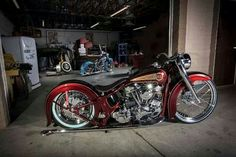 Tight custom Pan w/air-ride softail suspension, by Torch Industries.