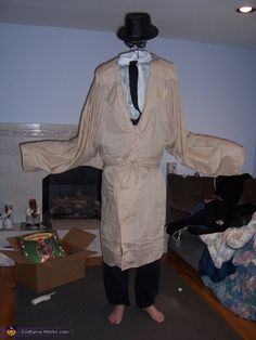 The+Invisible+Man+Costume+-+Halloween+Costume+Contest+via+@costume_works