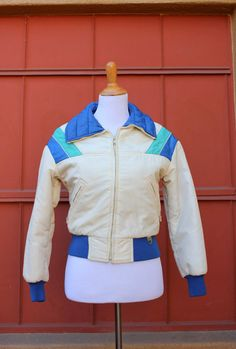 1b3cf12ac7 Vintage 70 s puffy ski jacket women s small In the shop!! Vintage Vibes