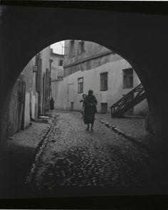 Roman Vishniac  Street in the Jewish Quarter, Lublin, Poland   c.1937