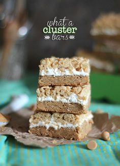 What a Cluster Bars.  Based on the popular Ben & Jerrys Flavor!  Peanut Butter cookie base,, marshmallow filling and caramel krispie top! | www.cookiesandcups.com