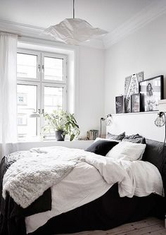 Bedrooms With the Bed Against the Window | Apartment Therapy