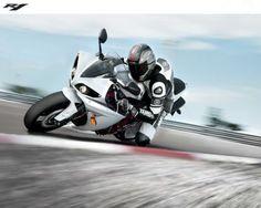 http://alliswall.com/yamaha-bikes/yamaha-yzf-r1-bike-wallpaper-2