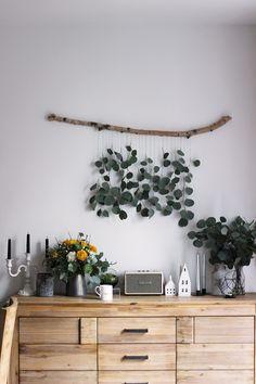 macrame plant hanger+macrame+macrame wall hanging+macrame patterns+macrame projects+macrame diy+macrame knots+macrame plant hanger diy+TWOME I Macrame & Natural Dyer Maker & Educator+MangoAndMore macrame studio Diy Crafts To Do, Eucalyptus, Large Macrame Wall Hanging, Living Room Modern, Boho Decor, Diy Wall Decor, Plant Hanger, Decorating Your Home, Macrame Projects