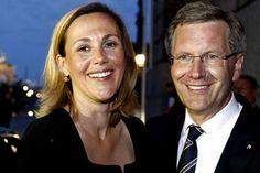 Deutschlands First Lady Bettina Wulff: Die große Blonde in den neuen Schuhen