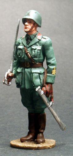 WW 026 ITALIAN INFANTRY OFFICER 1940