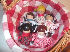 cartoncino mio: Collane bamboline