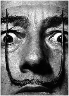 Salvador Dali avec les moustaches tendues en l'air en 1953  by Philippe HALSMAN/ Magnum