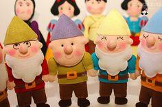 Era uma vez... | Anões: Mestre, Dunga, Feliz e Soneca Kit de… | Flickr
