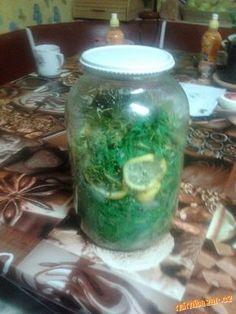 Sirup ze smrkových výhonků Pickles, Cucumber, Vodka, Mason Jars, Med, Sweet, Syrup, Candy, Mason Jar